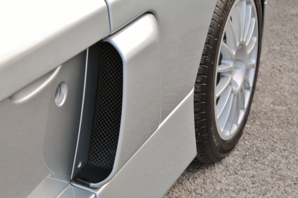 Silver Renault Clio V6 for auction (7)