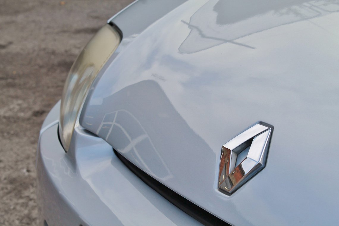 Silver Renault Clio V6 for auction (8)