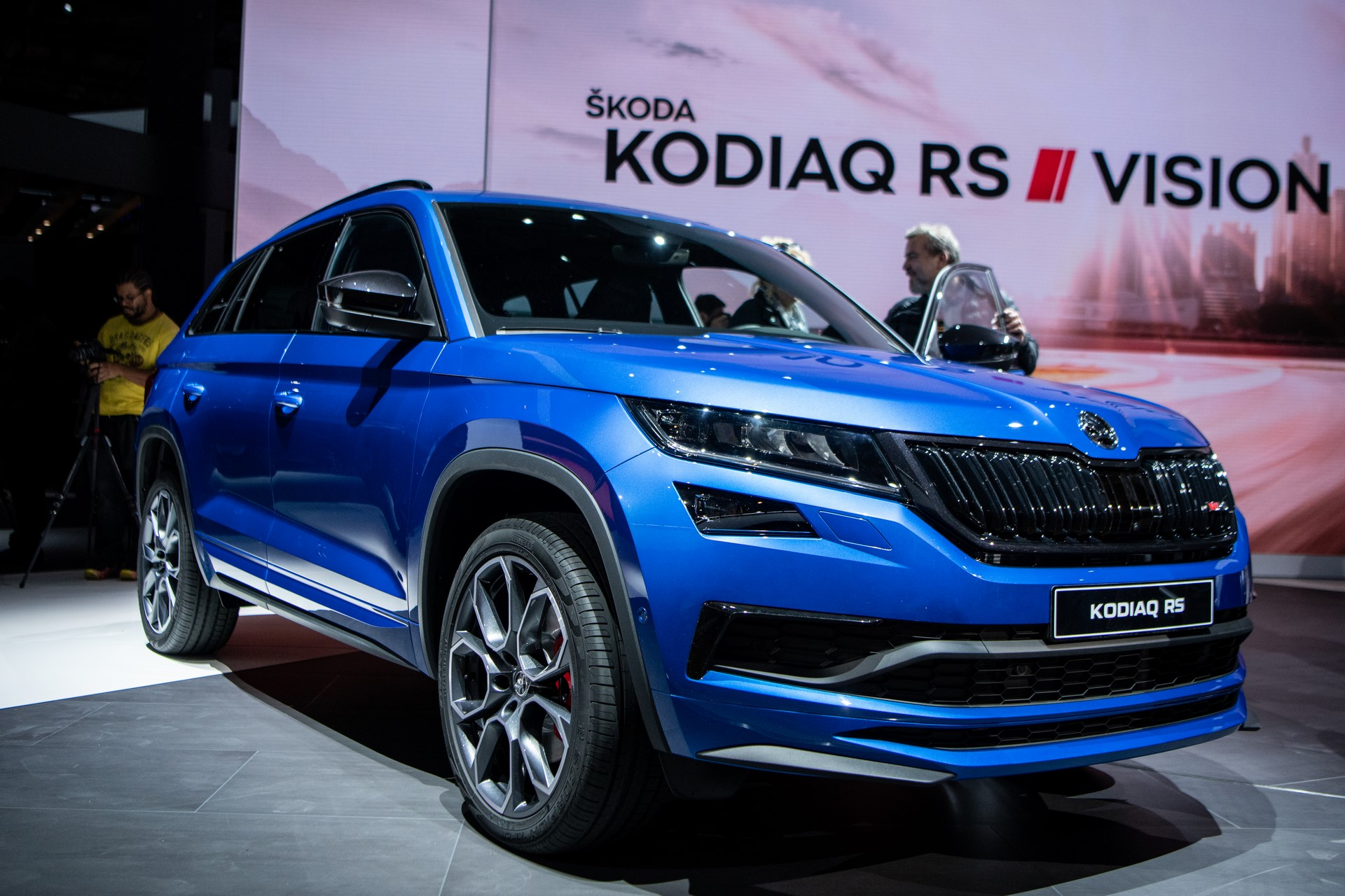 kodiaq-rs-skoda-blue-paris