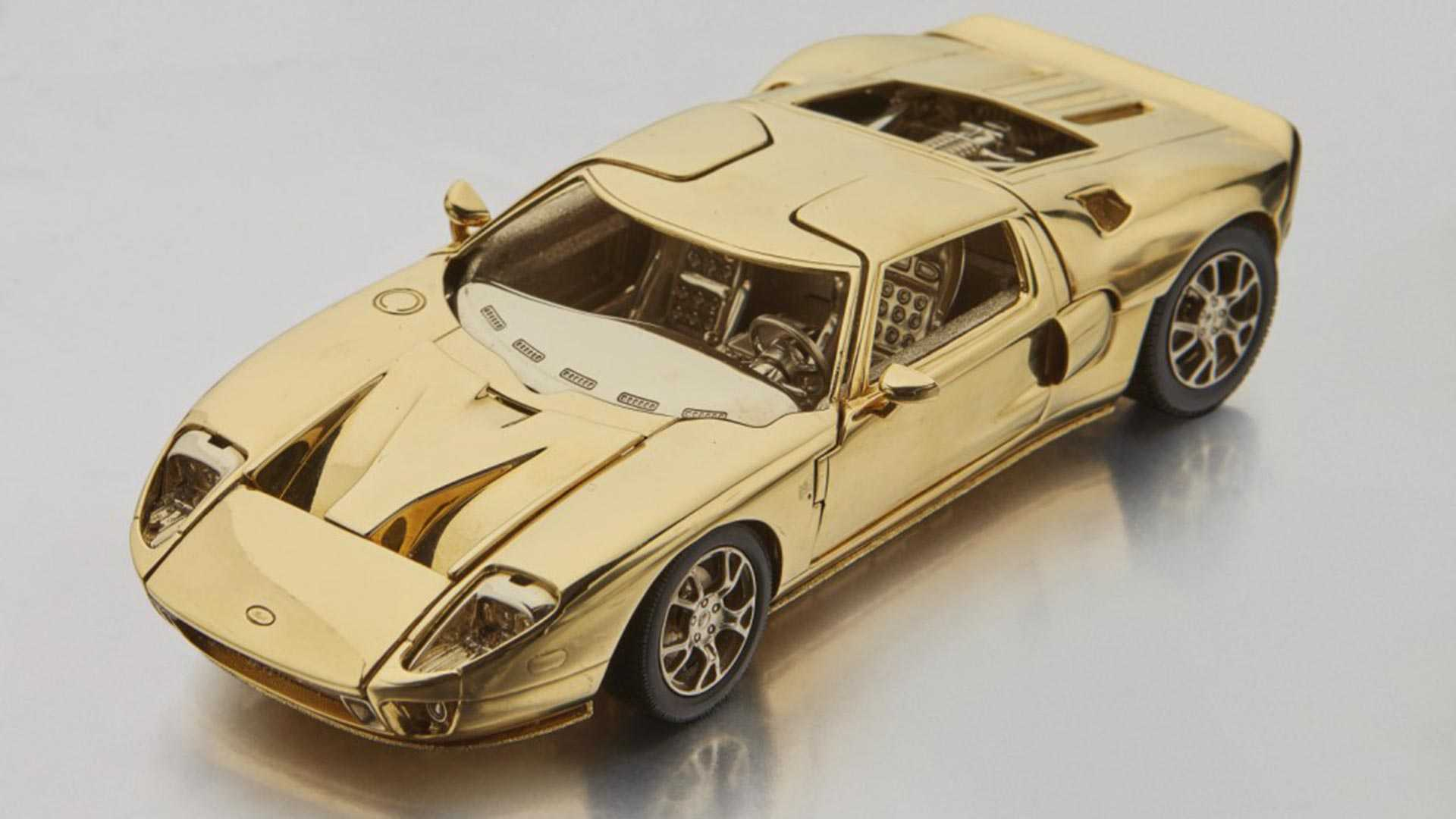 Solid Gold Ford GT (1)