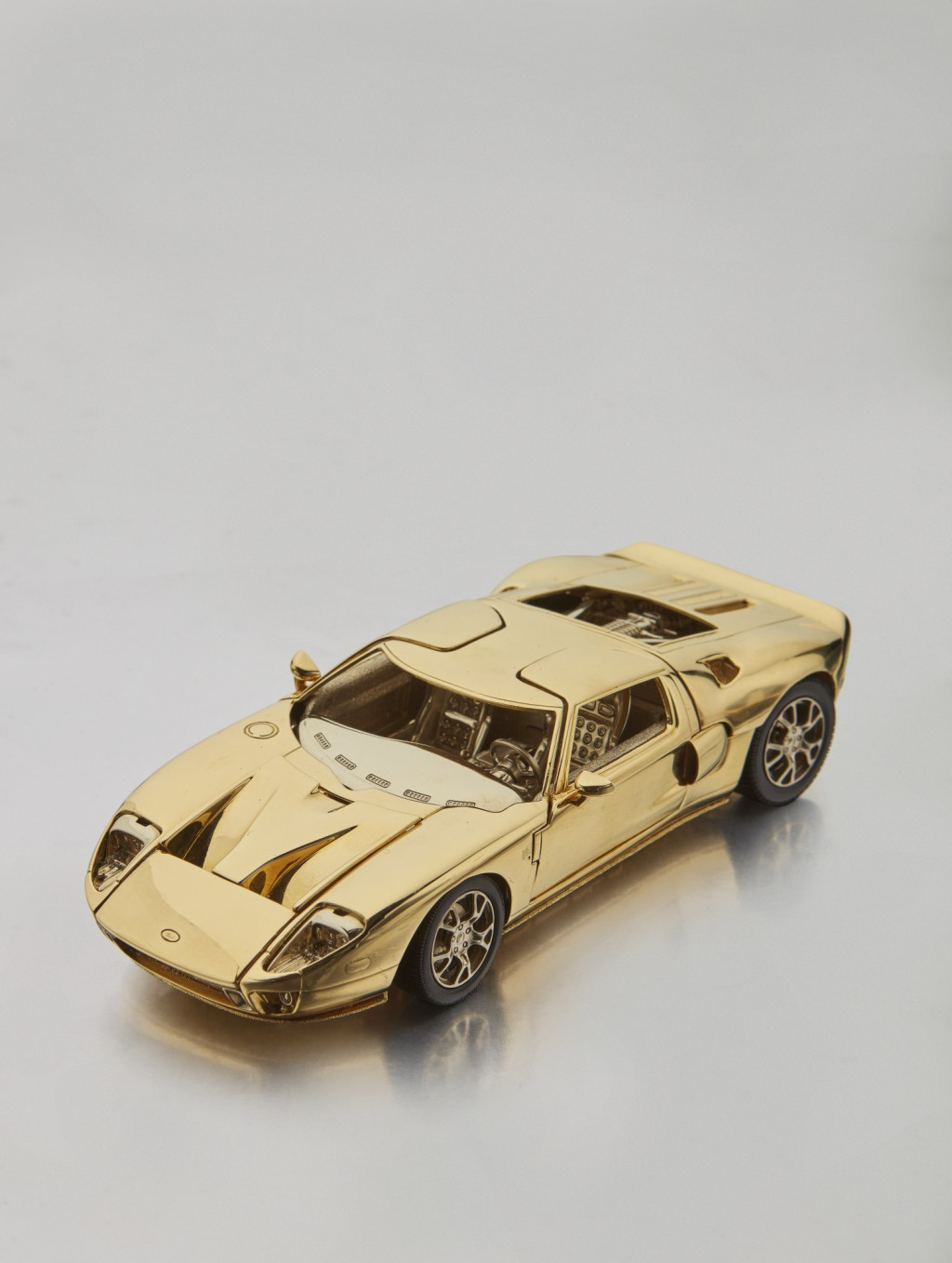 Solid Gold Ford GT (5)