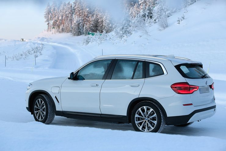 Spy_Photos_BMW_iX3_0003