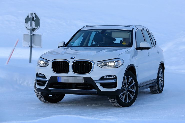 Spy_Photos_BMW_iX3_0005