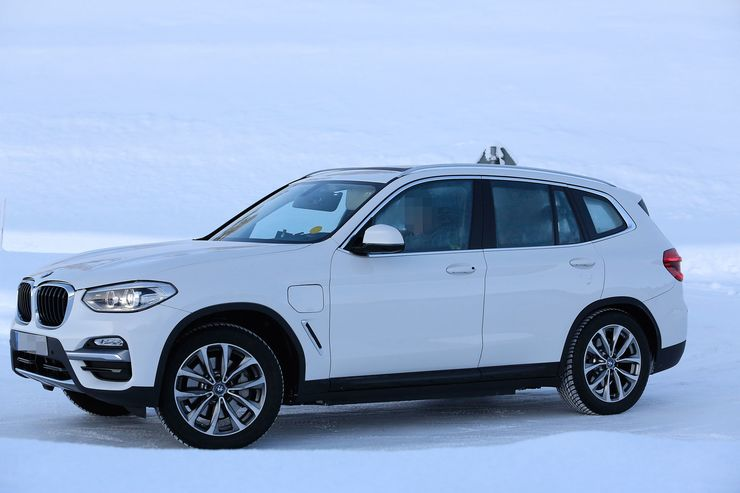 Spy_Photos_BMW_iX3_0006