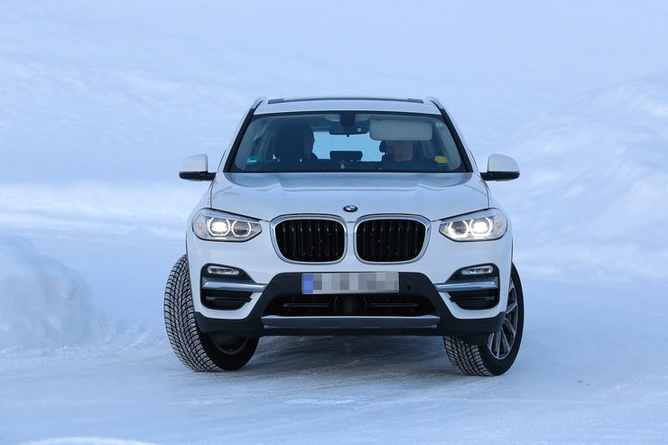 Spy_Photos_BMW_iX3_0008