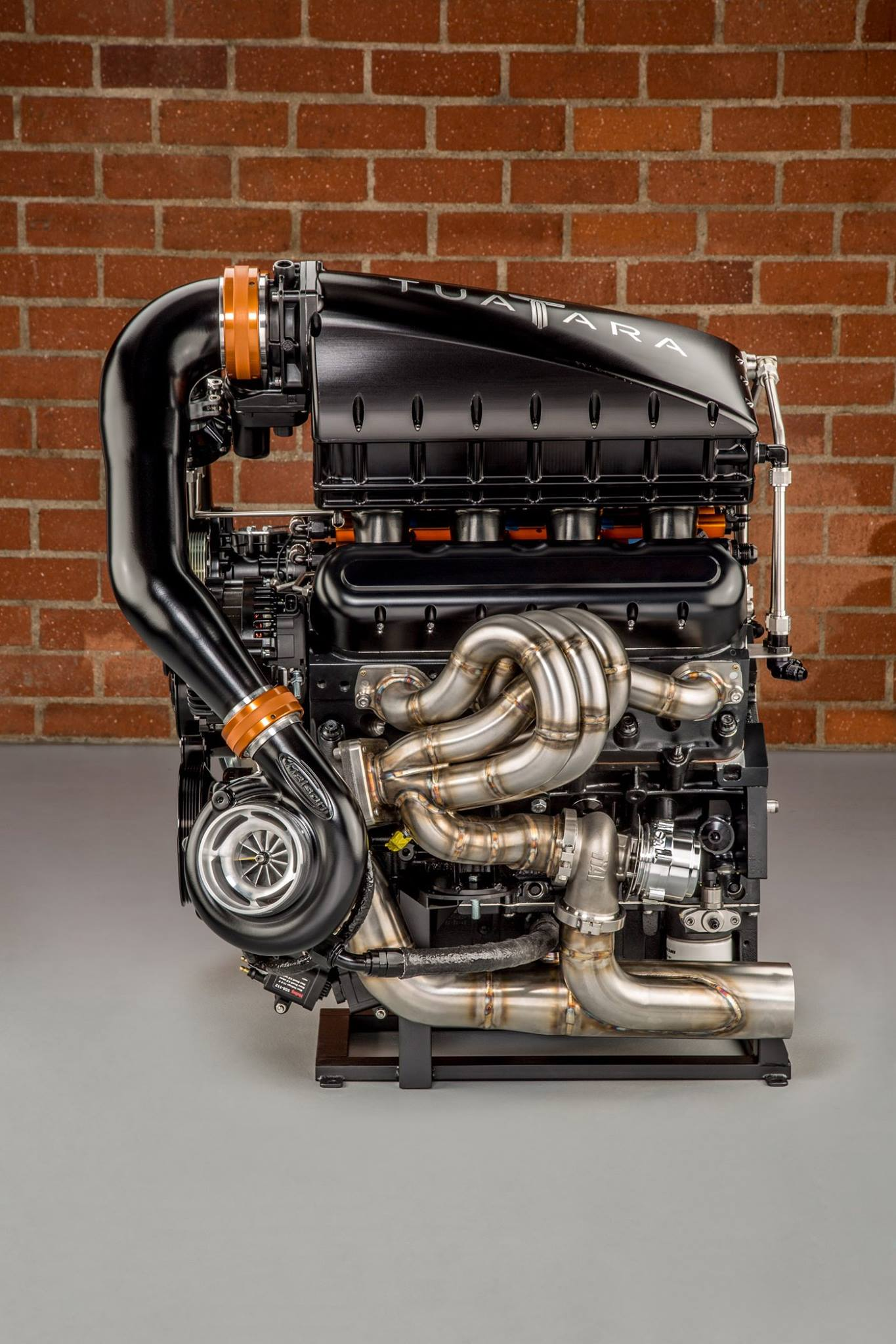 ssc-tuatara-engine-2