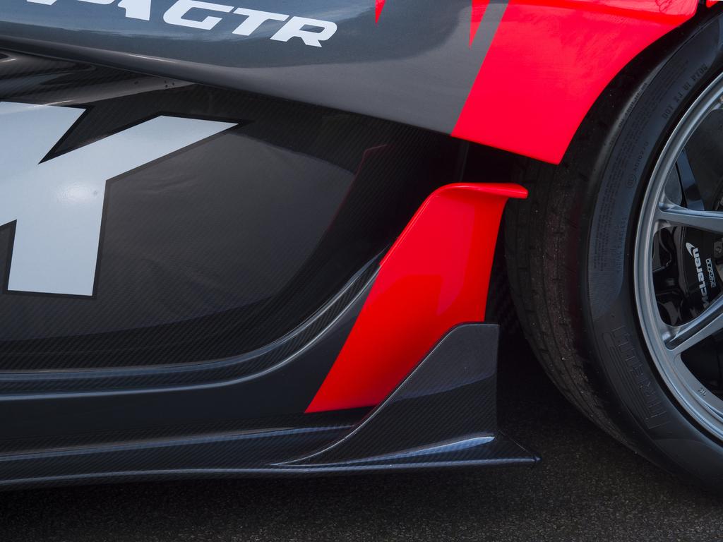 Street-legal_McLaren_P1_GTR_0032