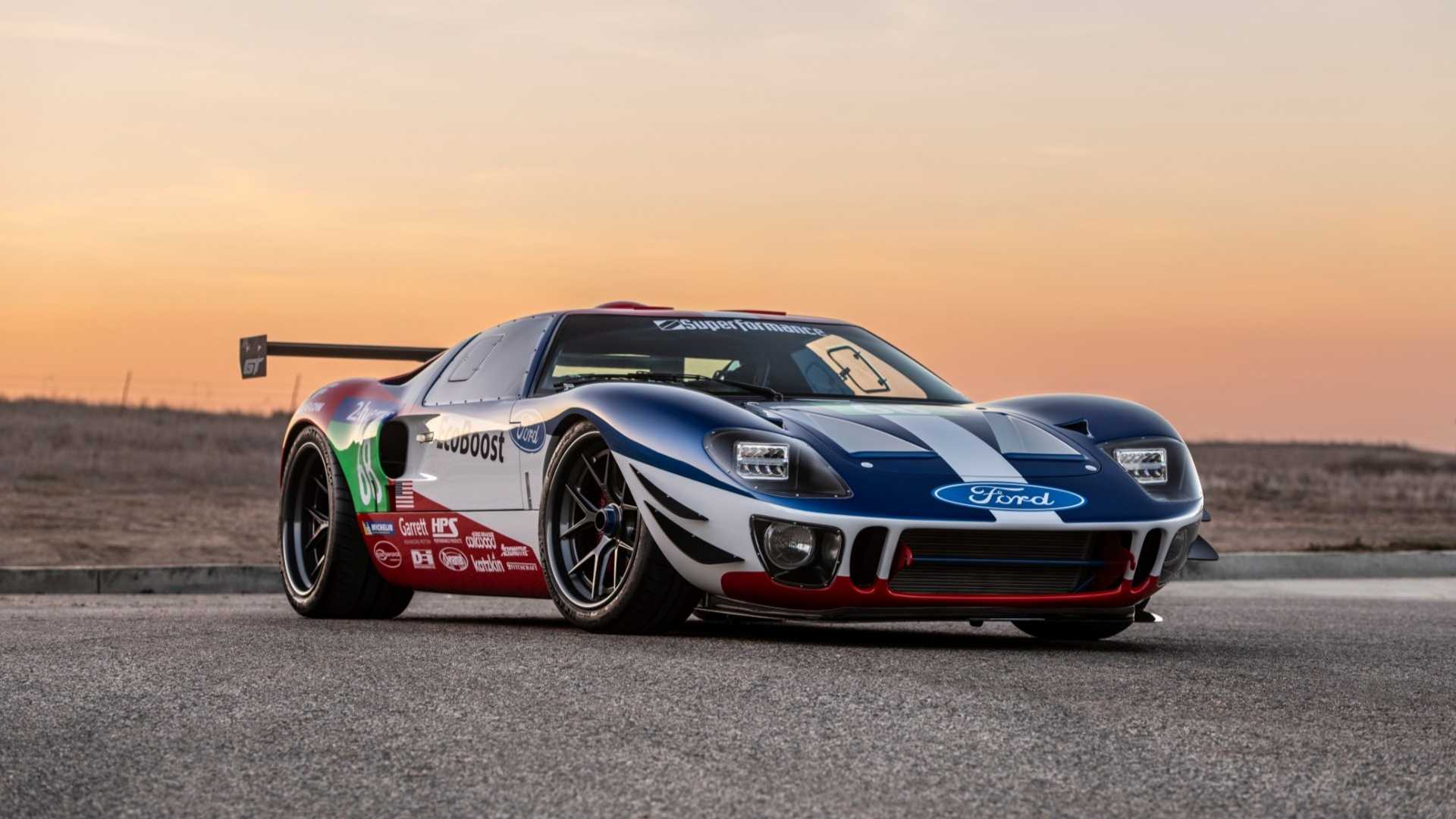 superformance-future-gt-forty-sema