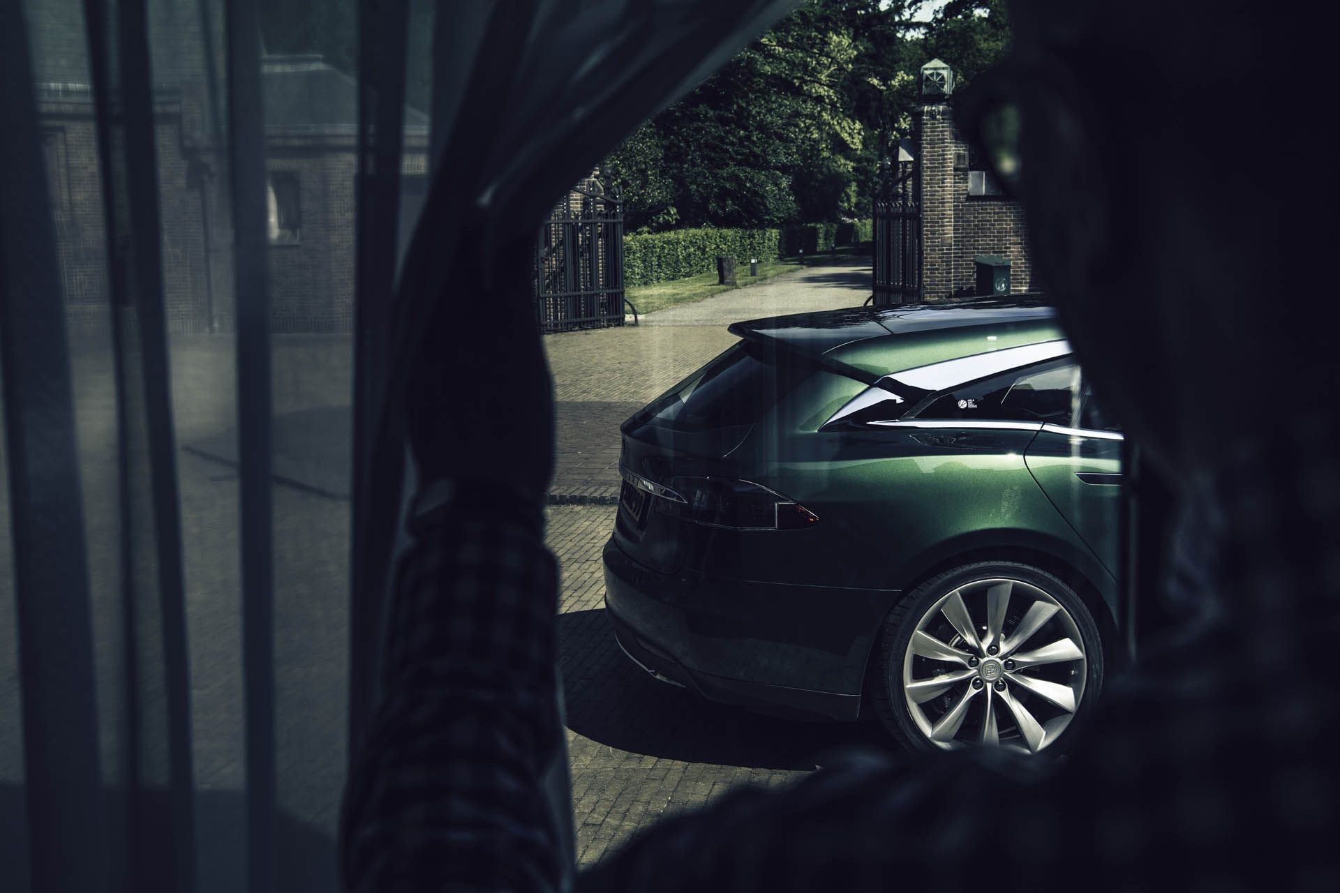 tesla-model-s-shooting-brake-remetzcar-08