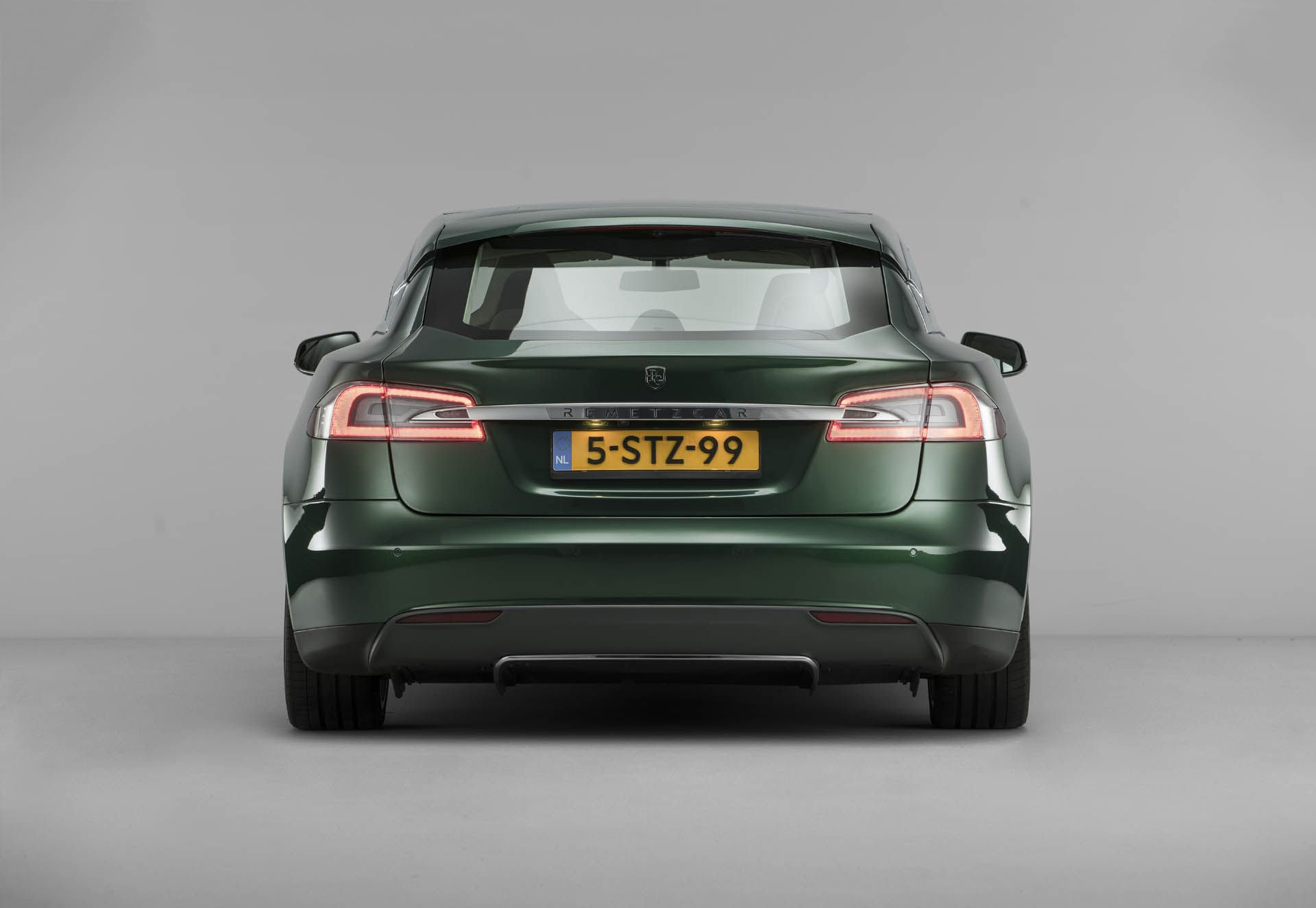 tesla-model-s-shooting-brake-remetzcar-47