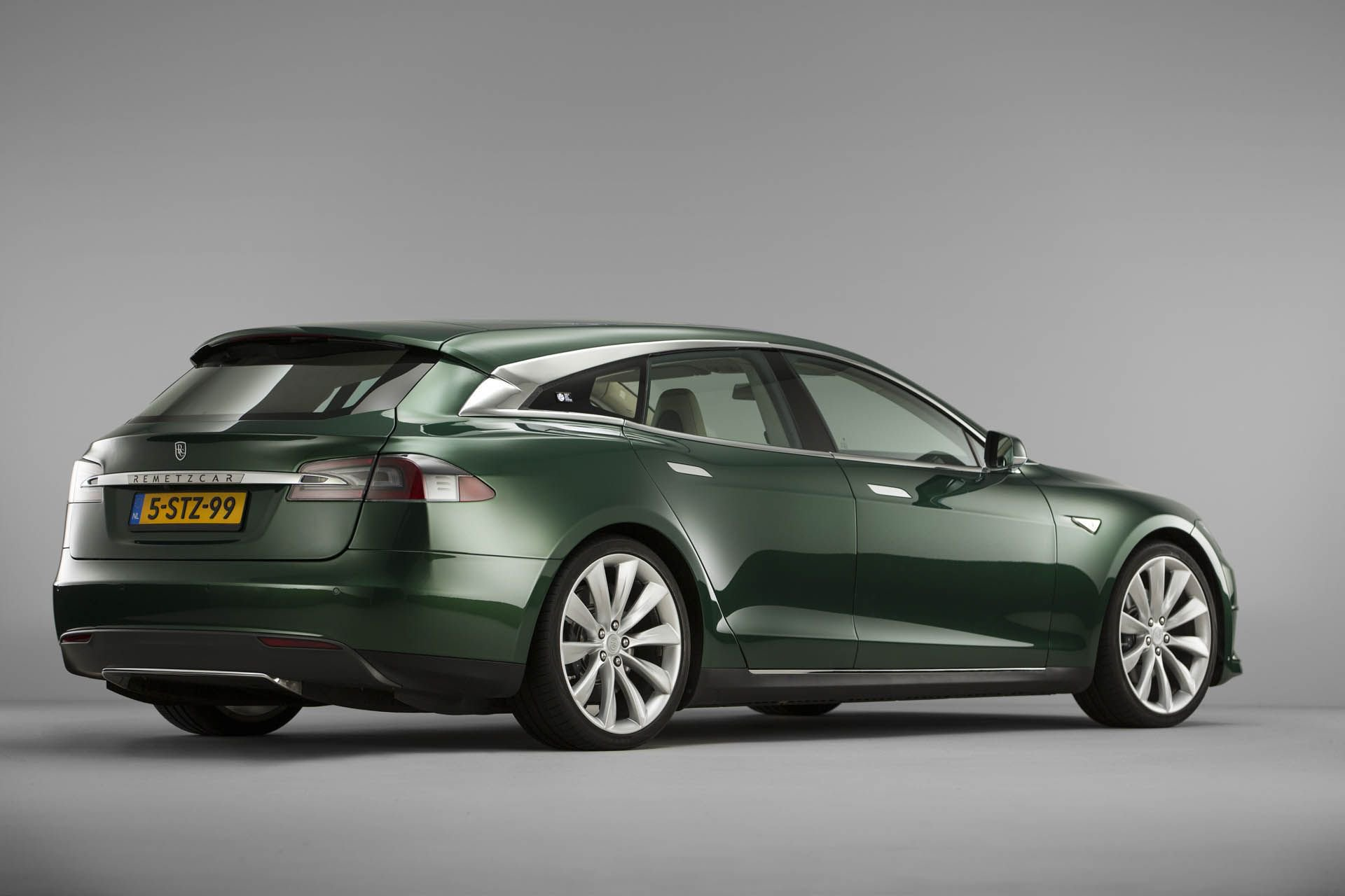 tesla-model-s-shooting-brake-remetzcar-49