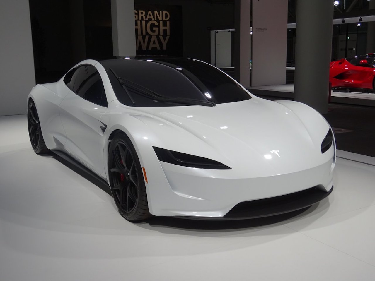 Tesla Roadster in Grand Basel 2018 (4)