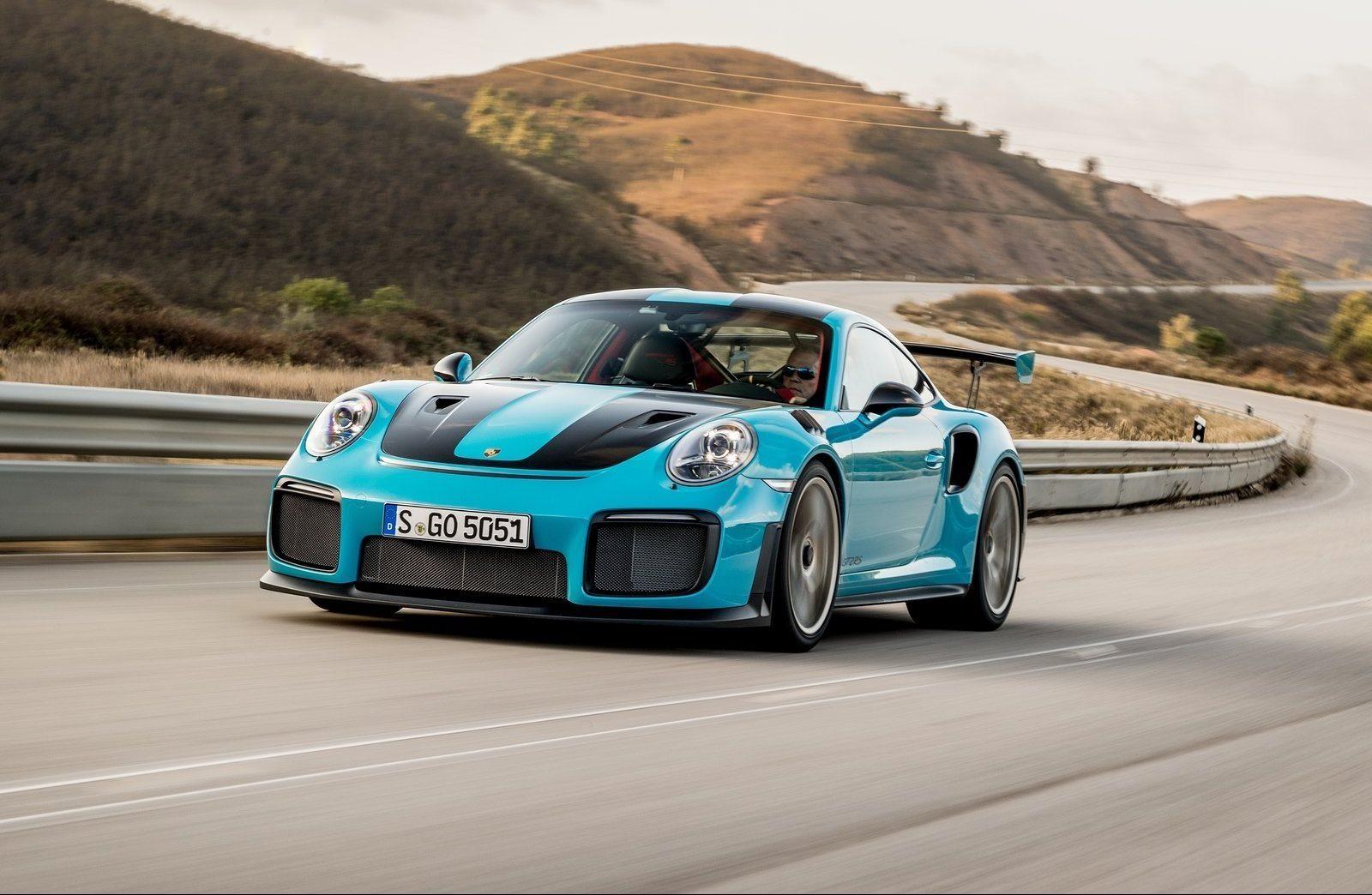 Porsche-911_GT2_RS-2018-1600-4f-e1539120166259