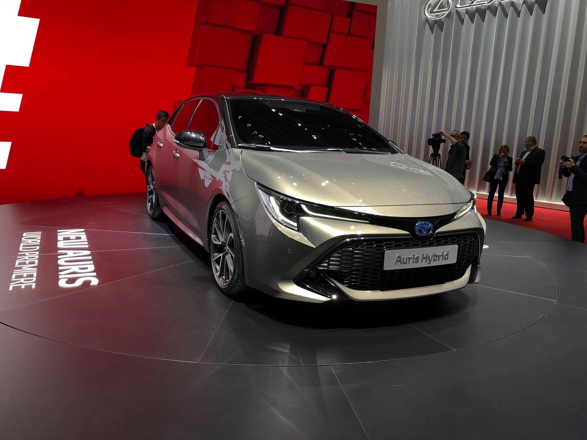 Toyota Auris 2018 (10)