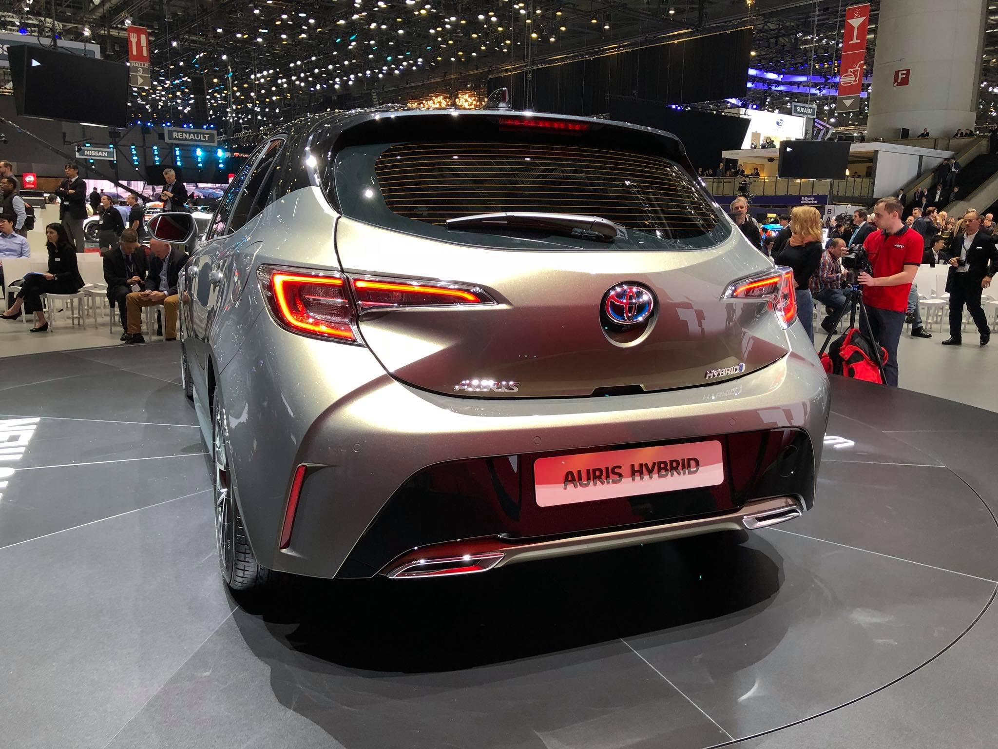 Toyota Auris 2018 (2)