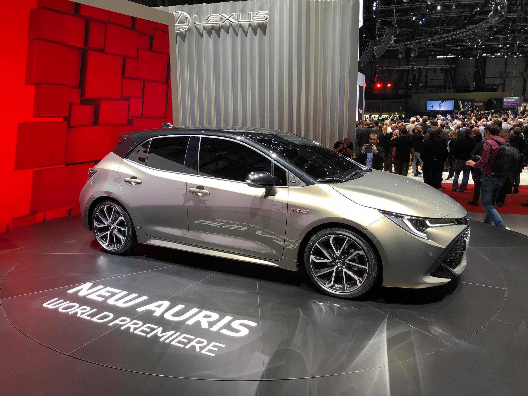 Toyota Auris 2018 (9)