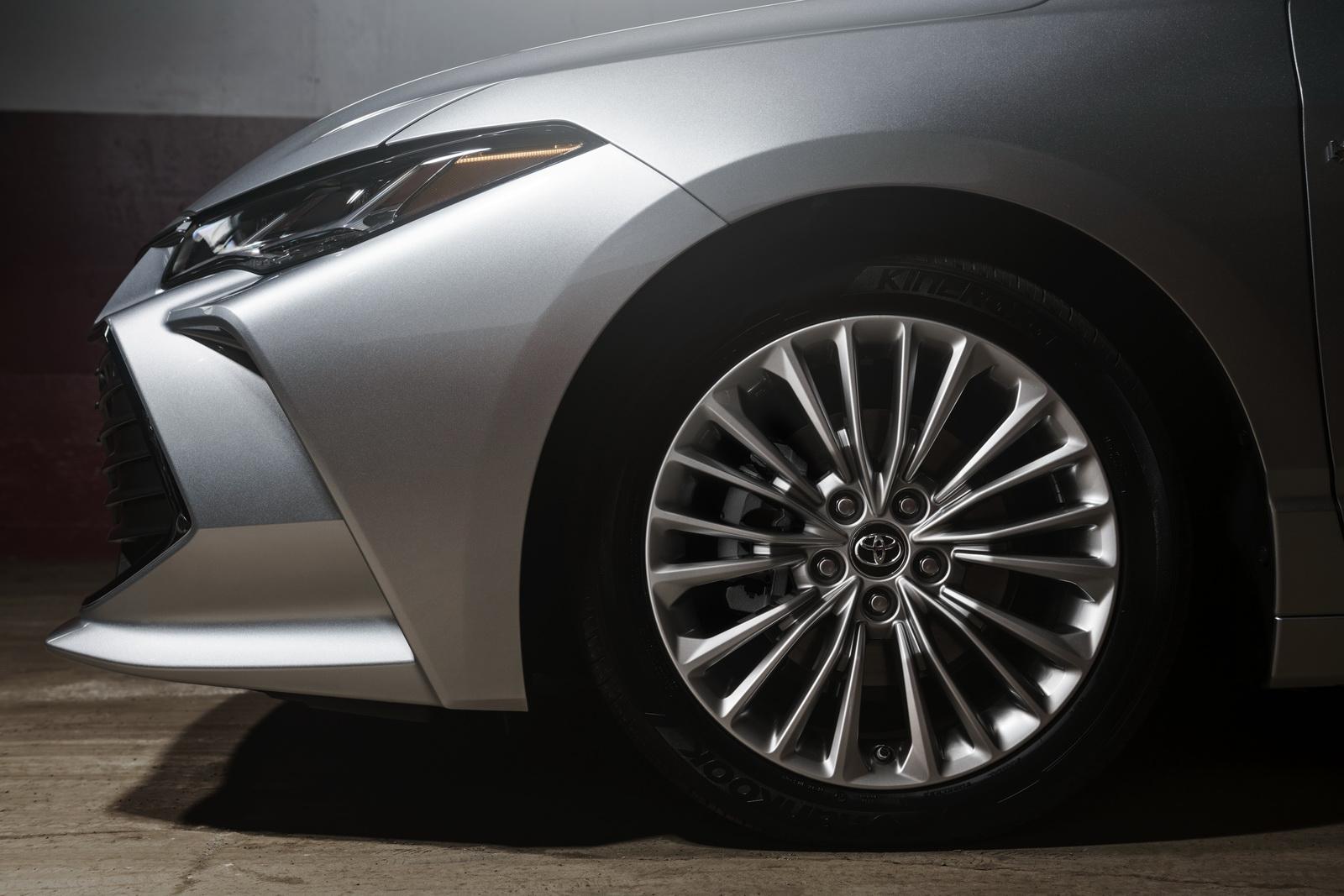 Toyota Avalon 2019 (7)