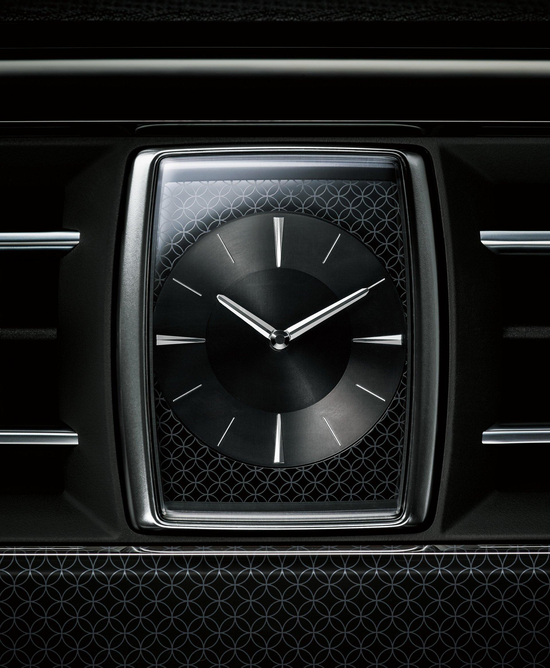 Toyota Century 2018 (23)
