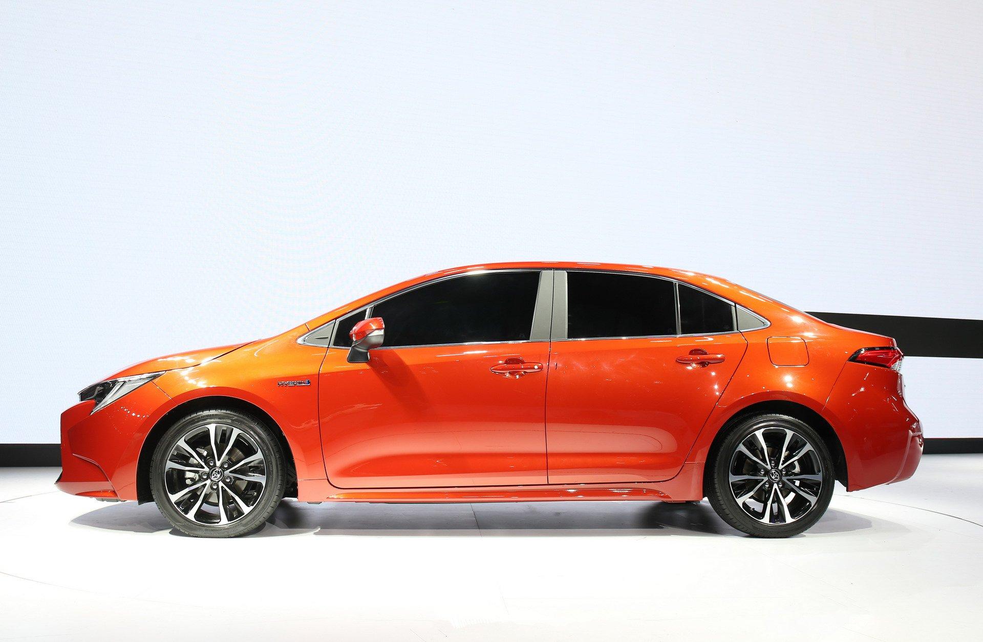 Toyota Corolla Sedan 2019 (14)
