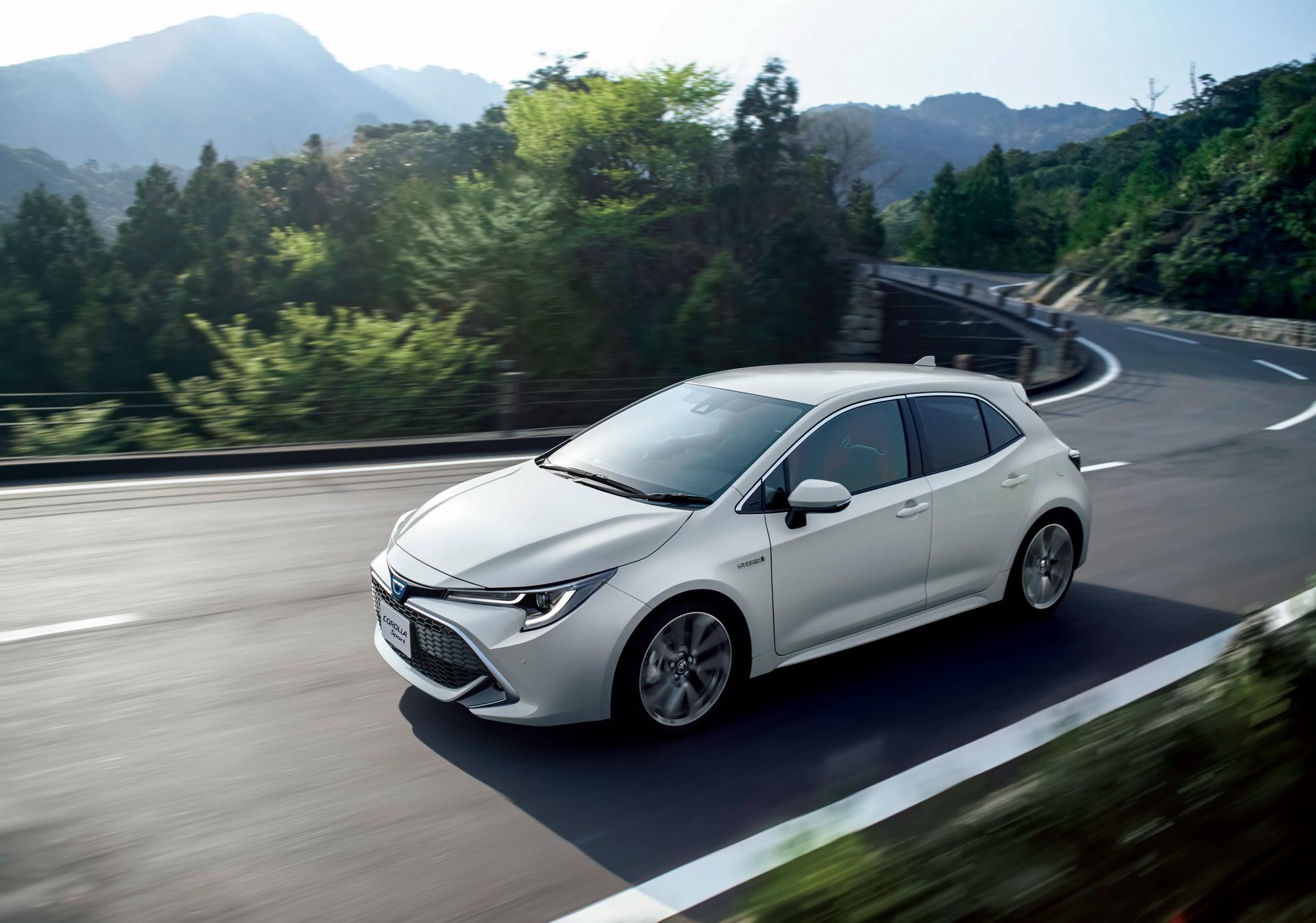 Toyota_Corolla_Sport_21
