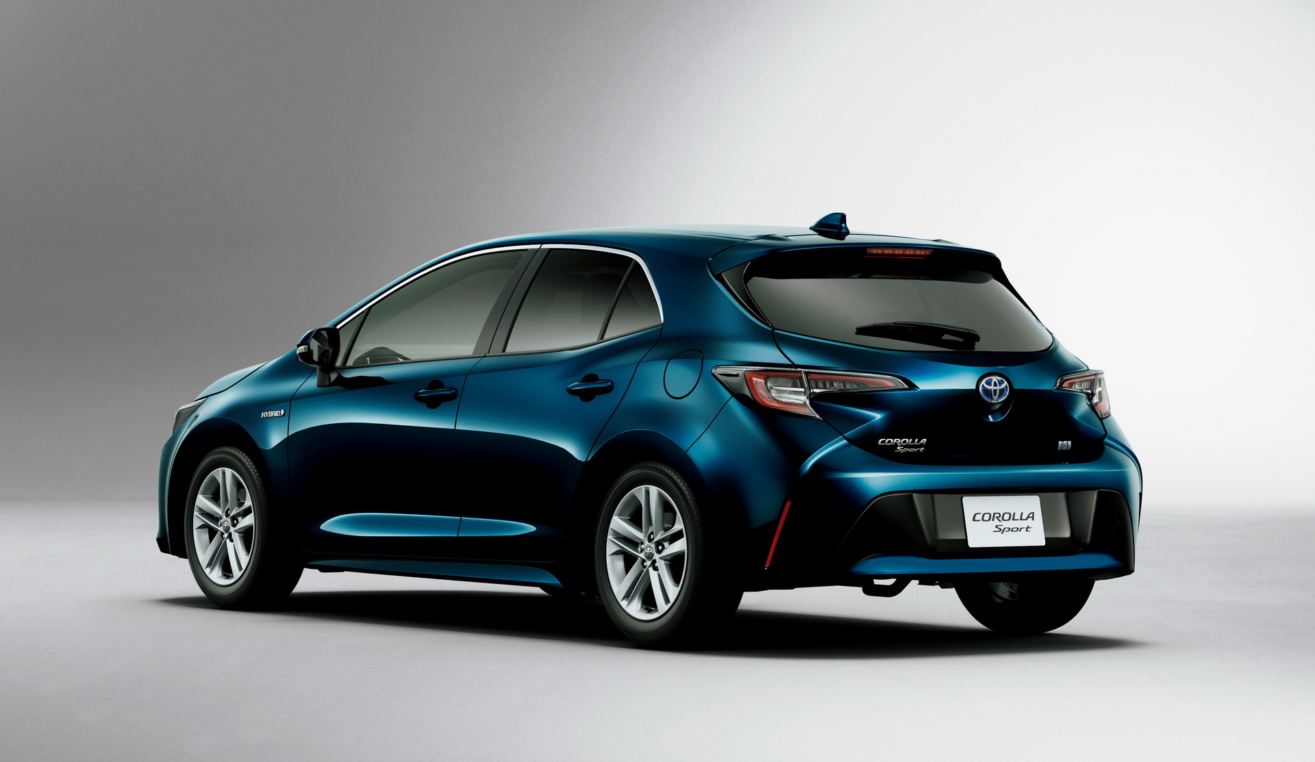 Toyota_Corolla_Sport_23