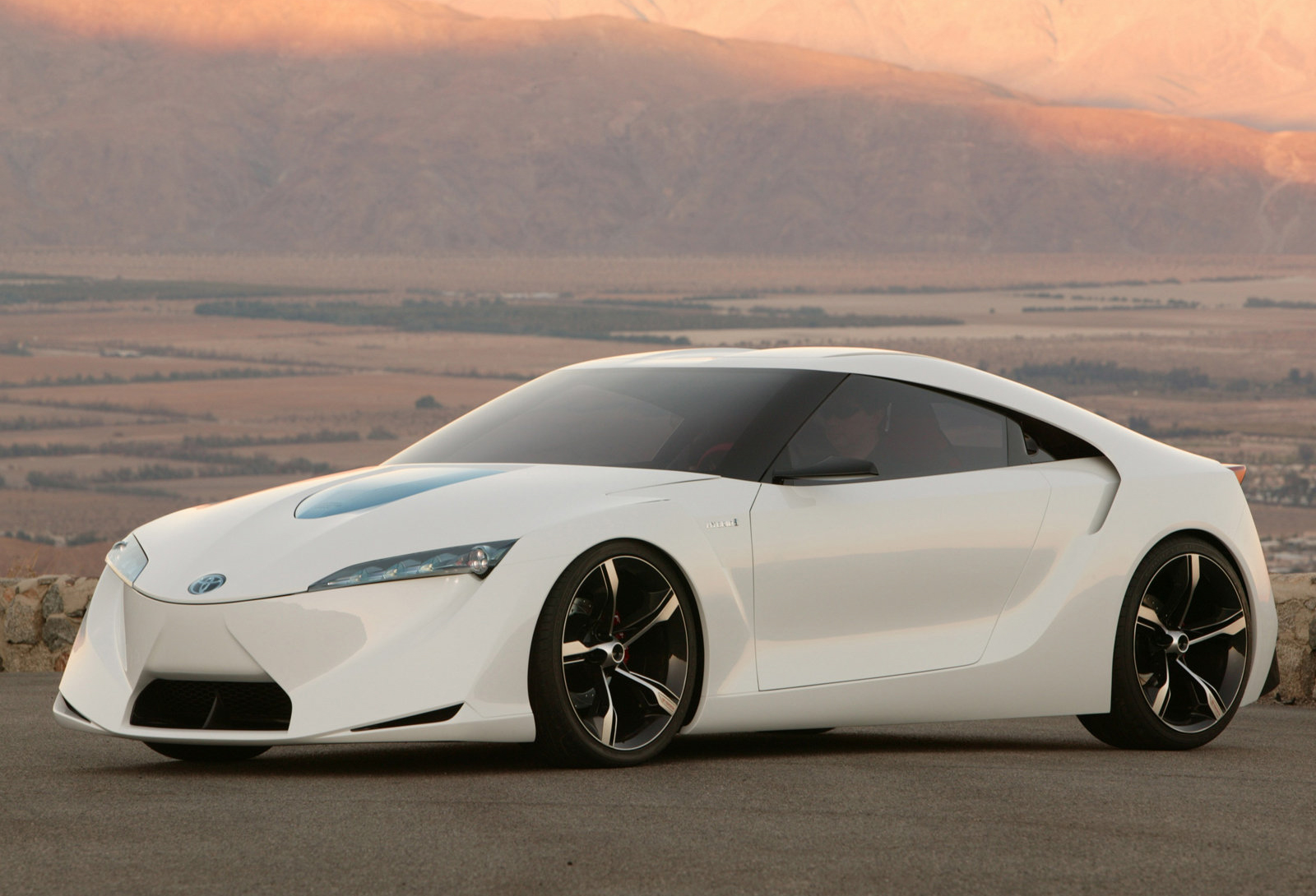 Toyota_FT-HS_concept_0035