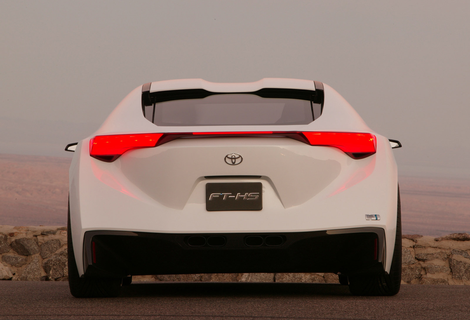 Toyota_FT-HS_concept_0049