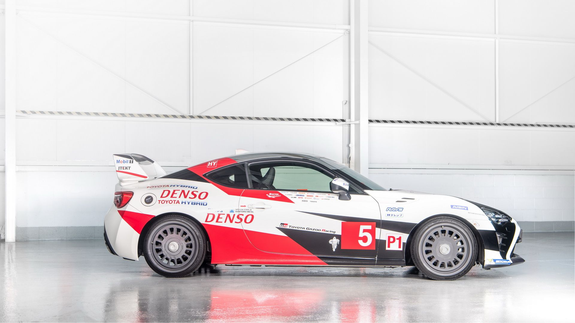 toyota-gt86-heritage-livery-24-hours-of-le-mans-14