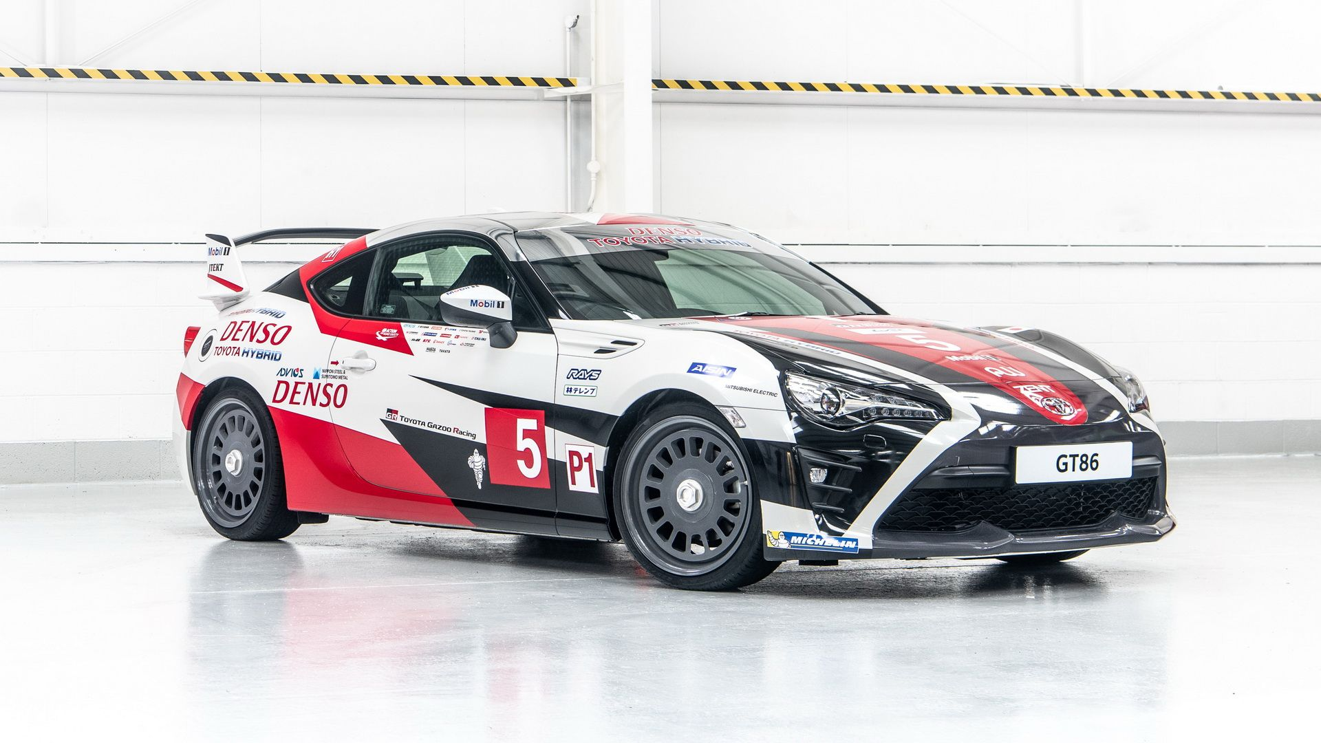 toyota-gt86-heritage-livery-24-hours-of-le-mans-2