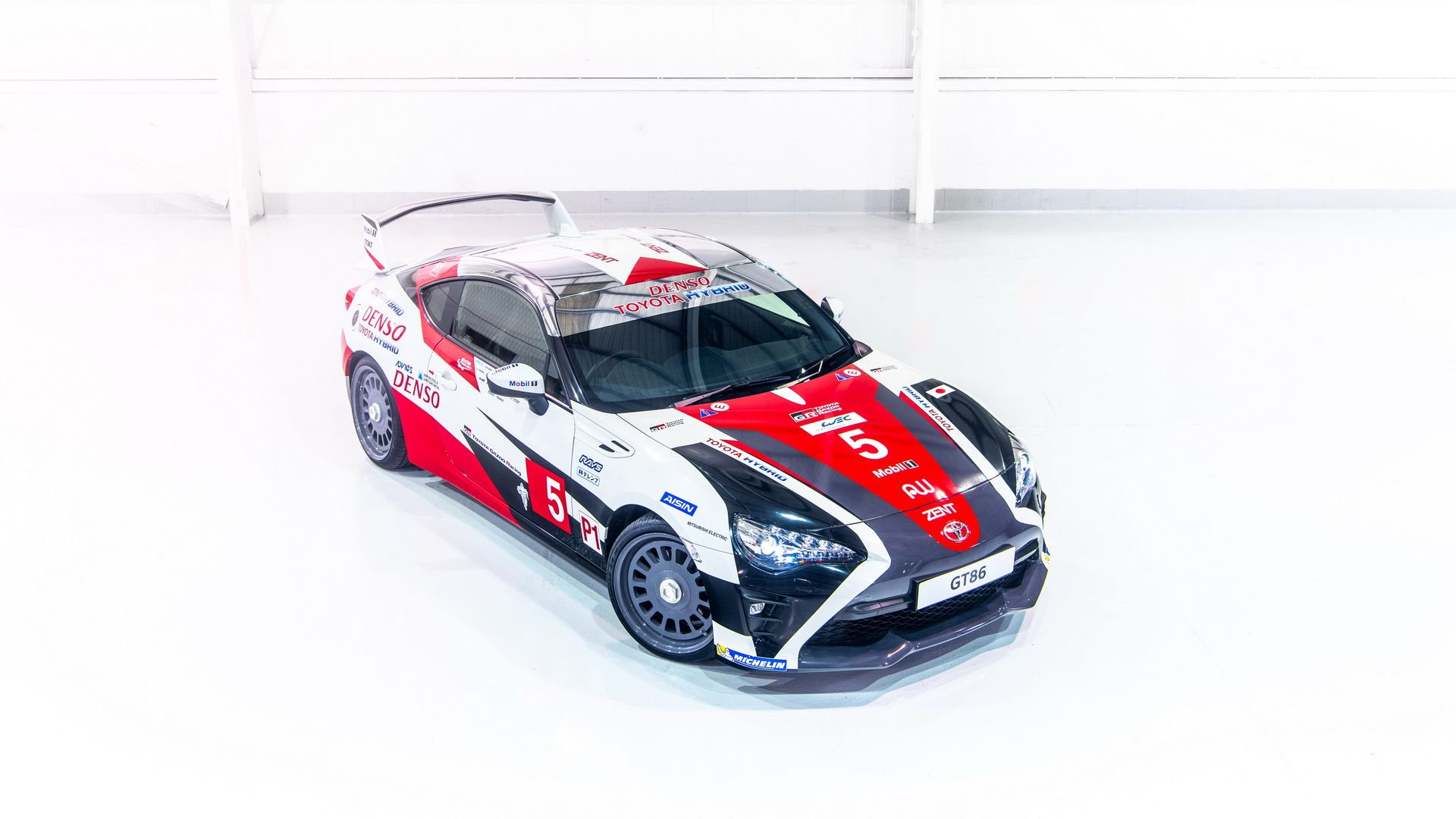 toyota-gt86-heritage-livery-24-hours-of-le-mans-23