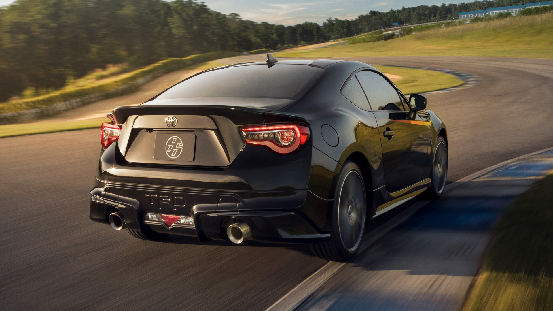 2019-toyota-86-trd-special-edition-08-1