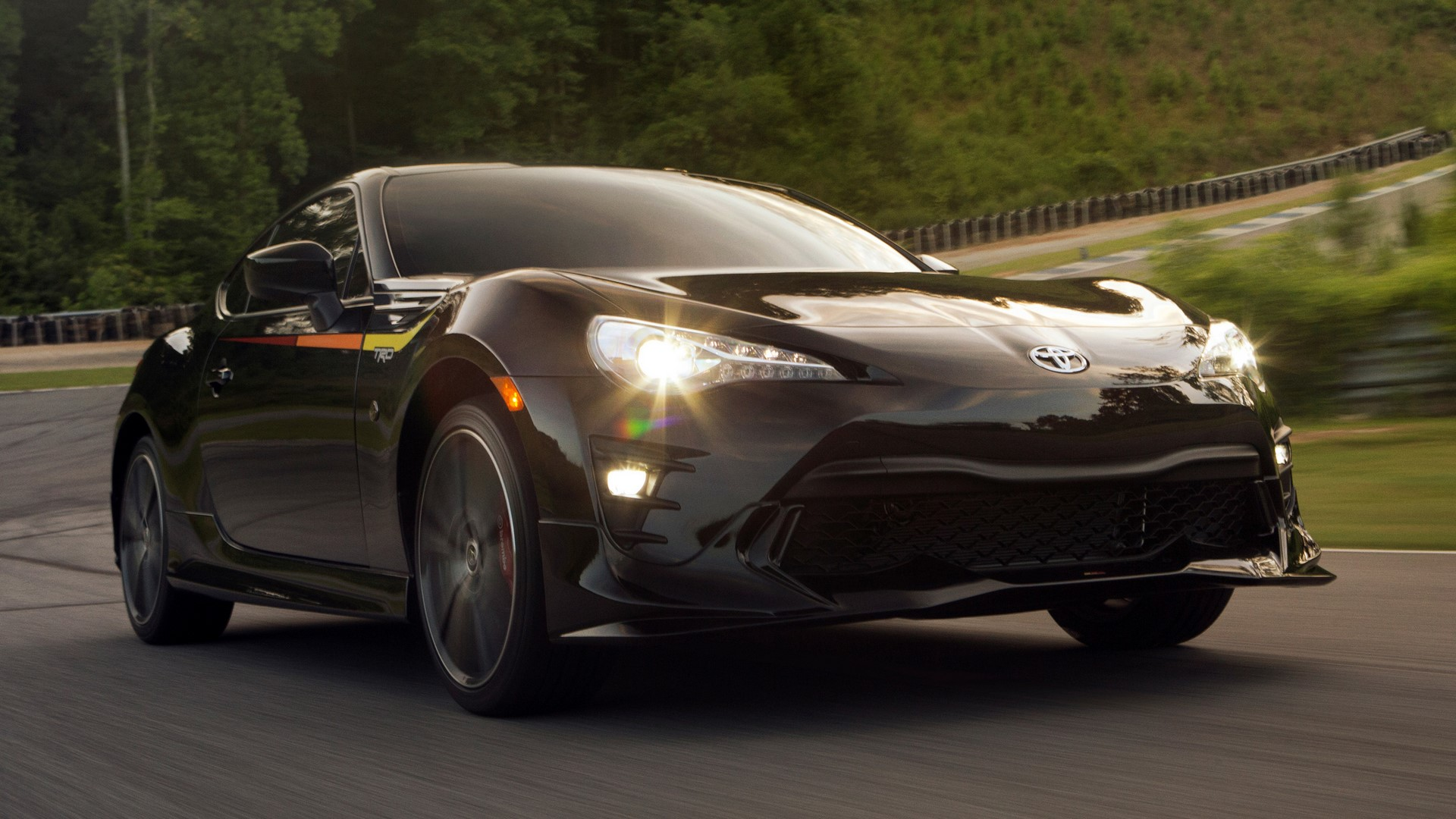 2019-toyota-86-trd-special-edition-09-1