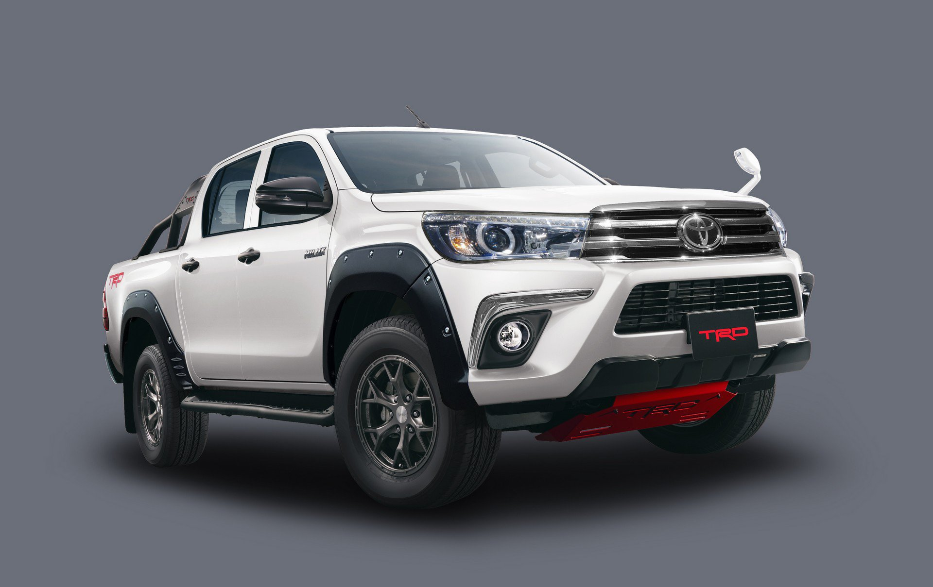 Toyota Hilux Black Rally Edition (4)