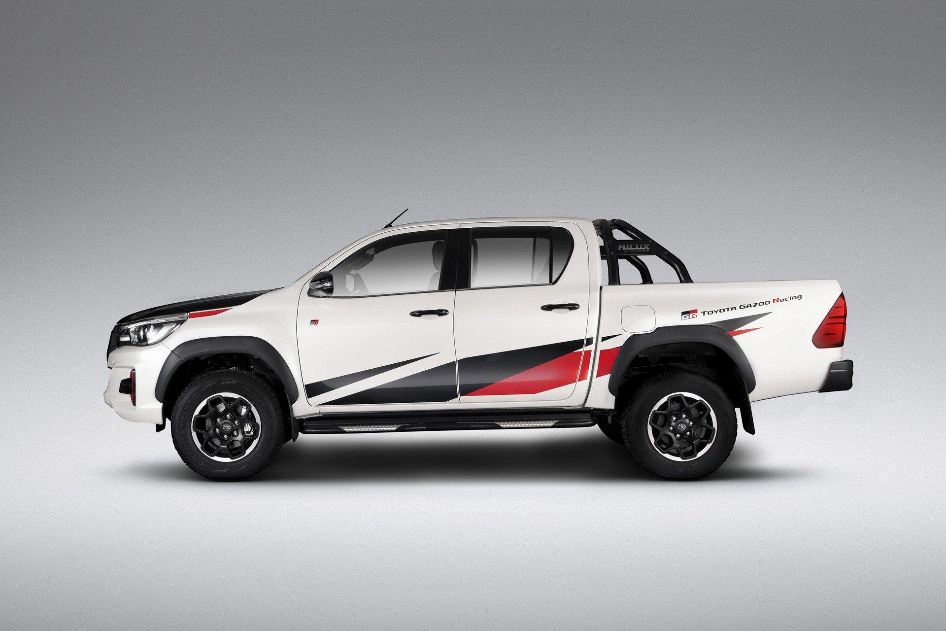 Toyota_Hilux_GR_Sport_0000