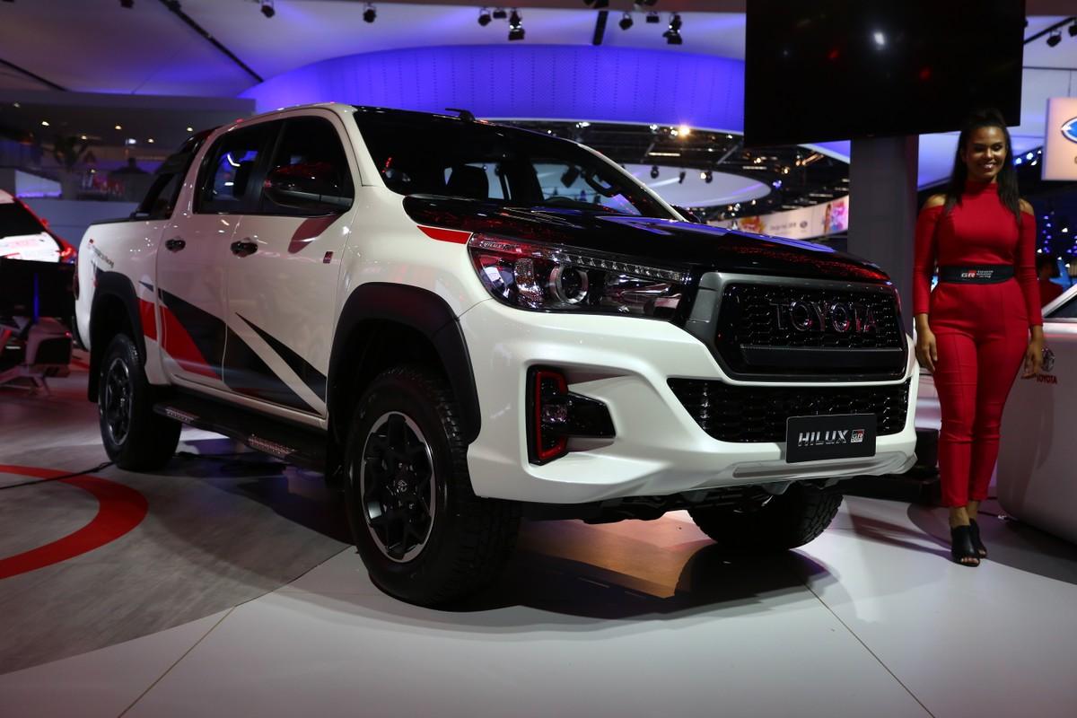 Toyota_Hilux_GR_Sport_0011