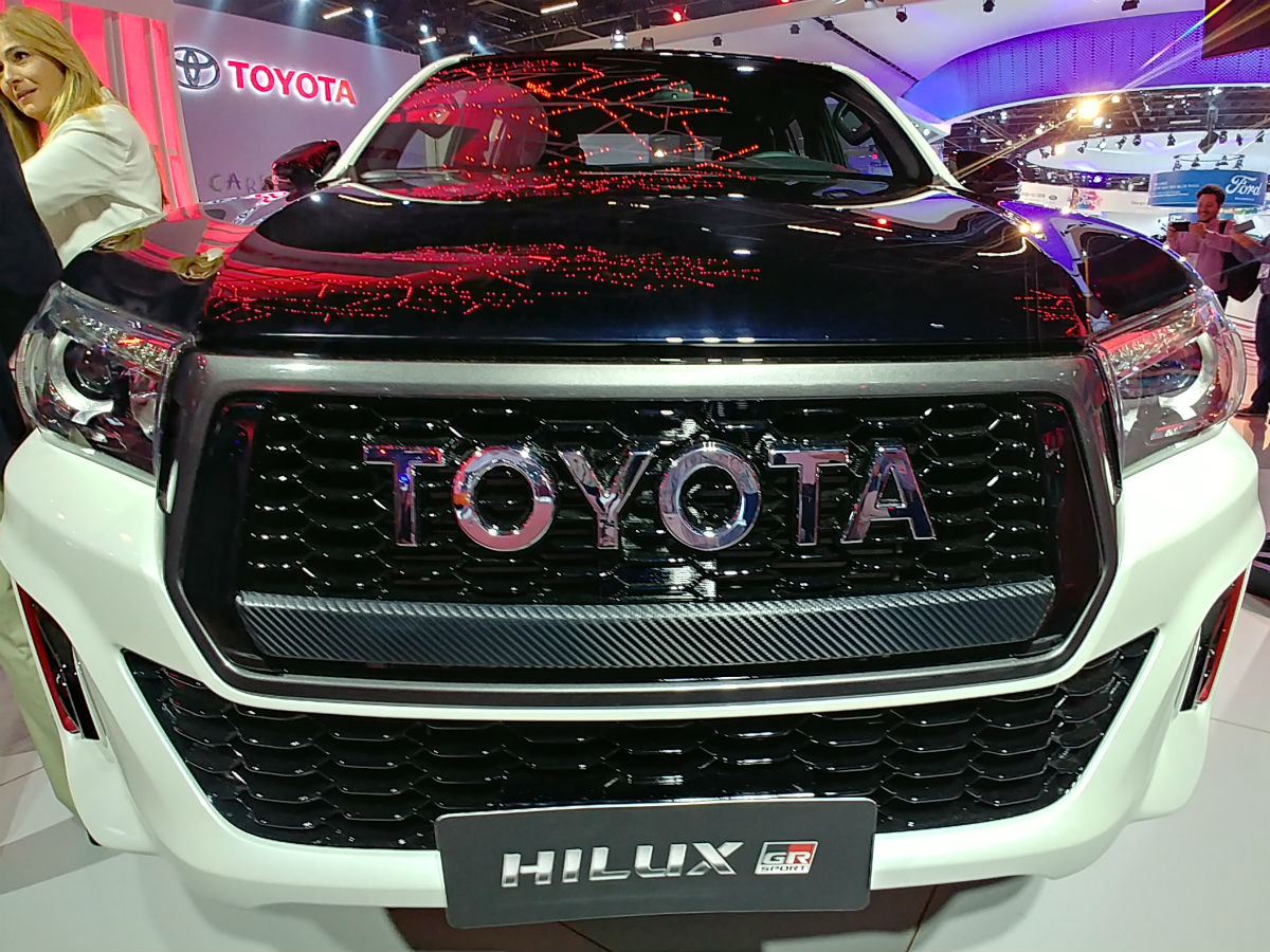 Toyota_Hilux_GR_Sport_0014