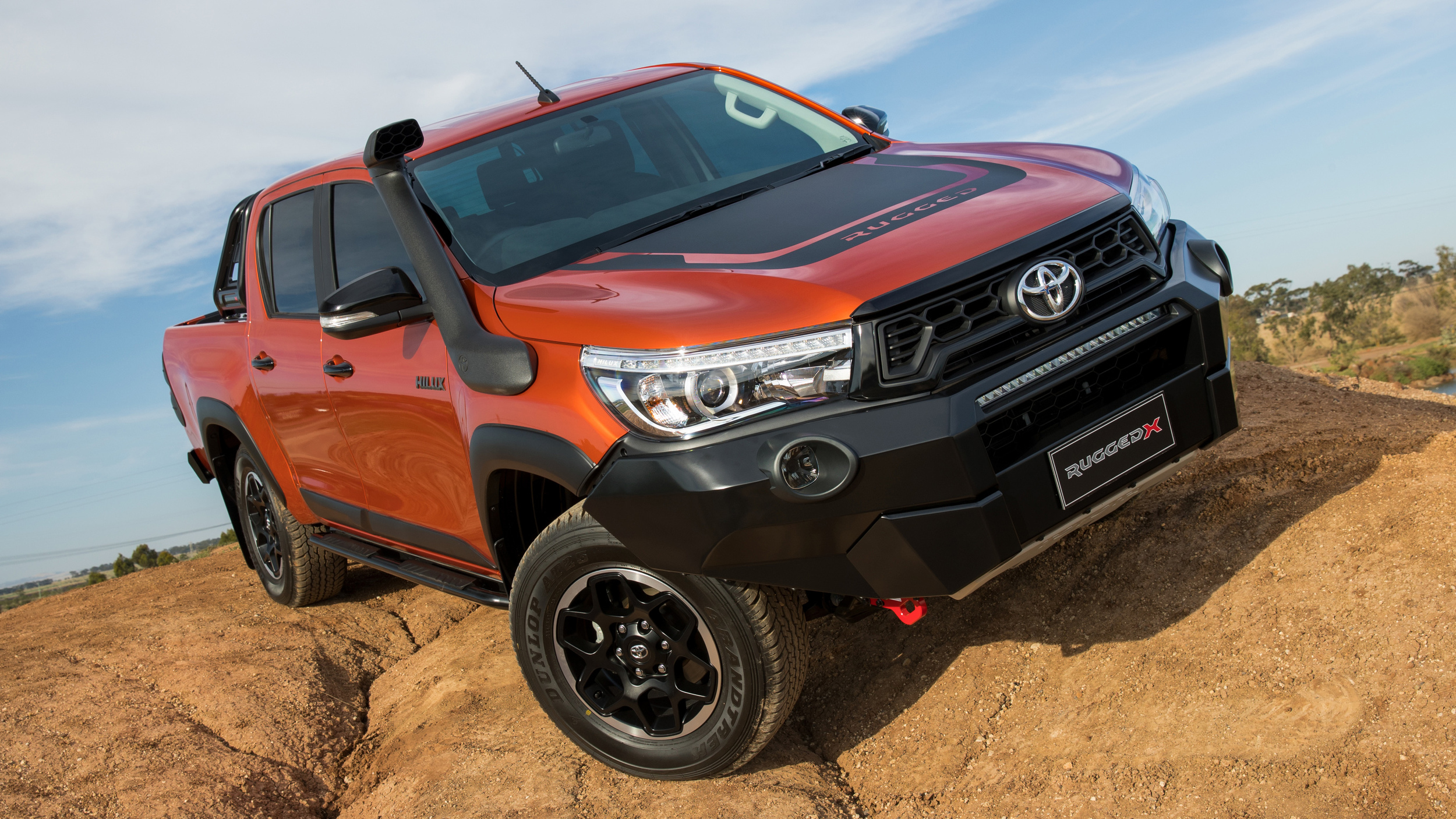Toyota_Hilux_Rugged_X_0005