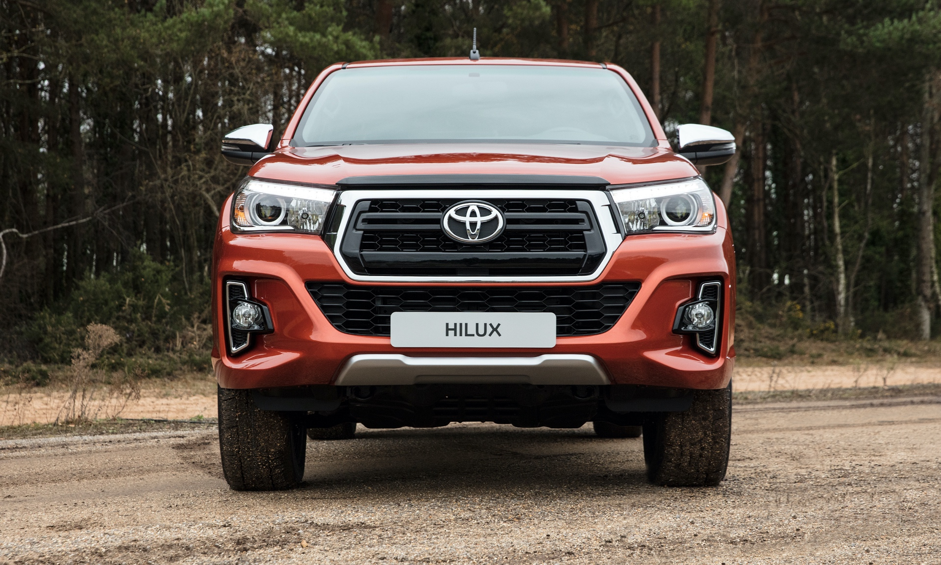 Toyota_Hilux_Special_Edition_0004