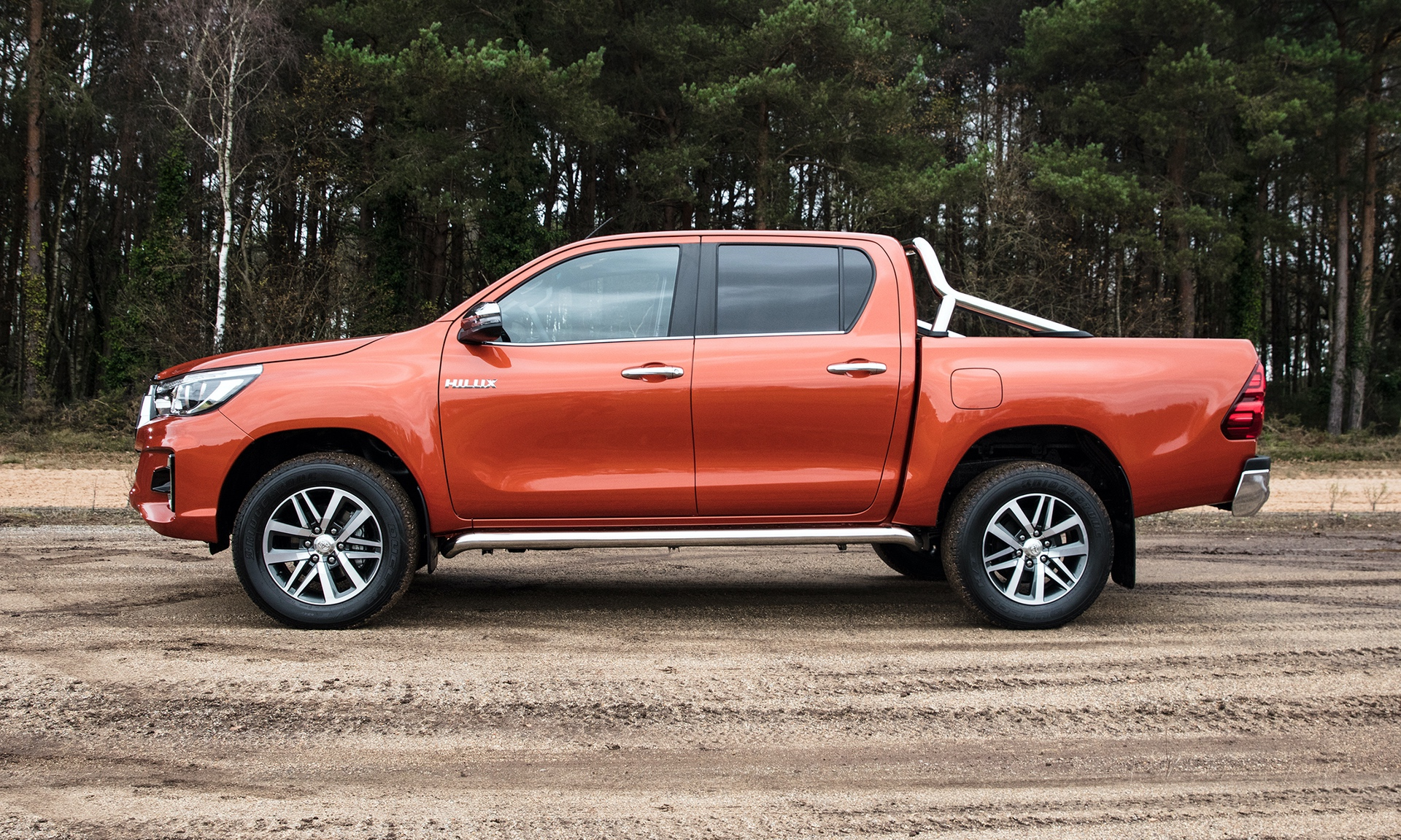 Toyota_Hilux_Special_Edition_0007