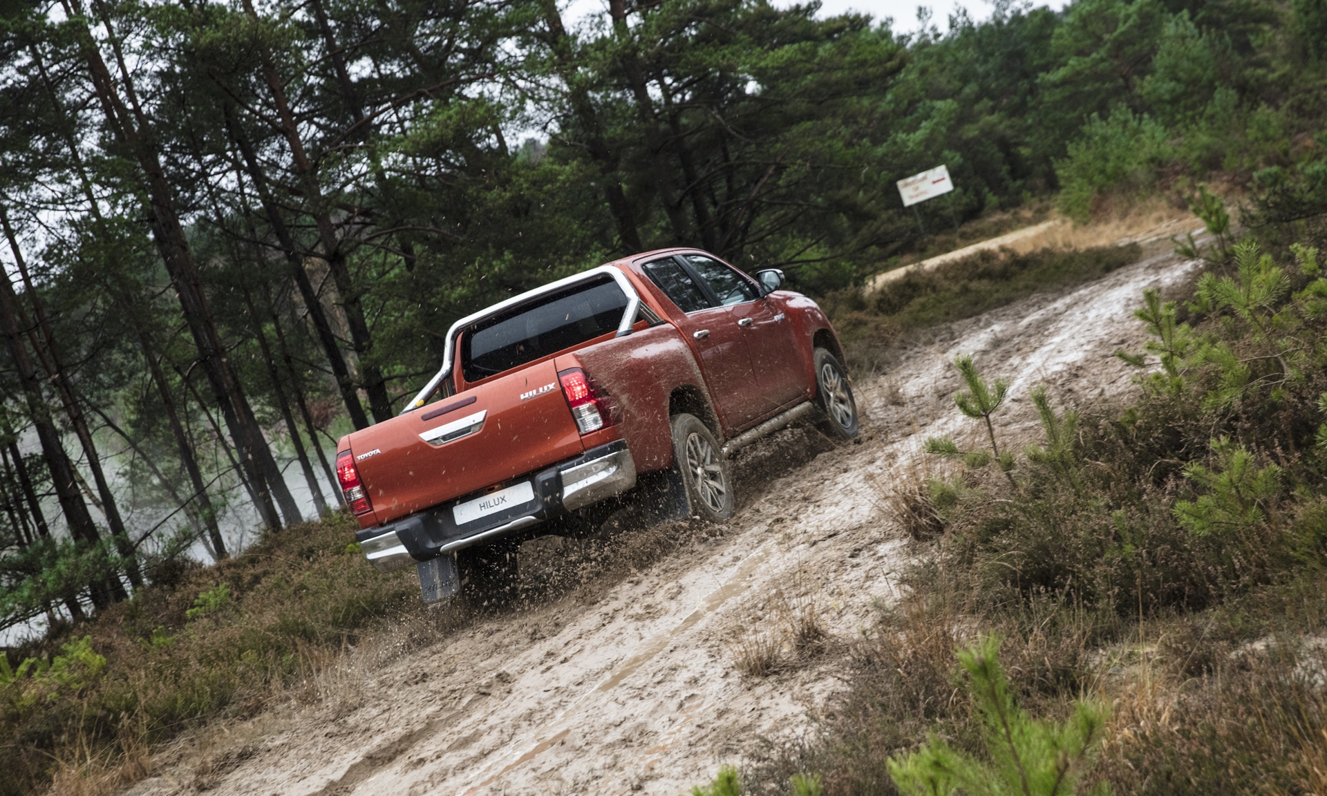 Toyota_Hilux_Special_Edition_0019