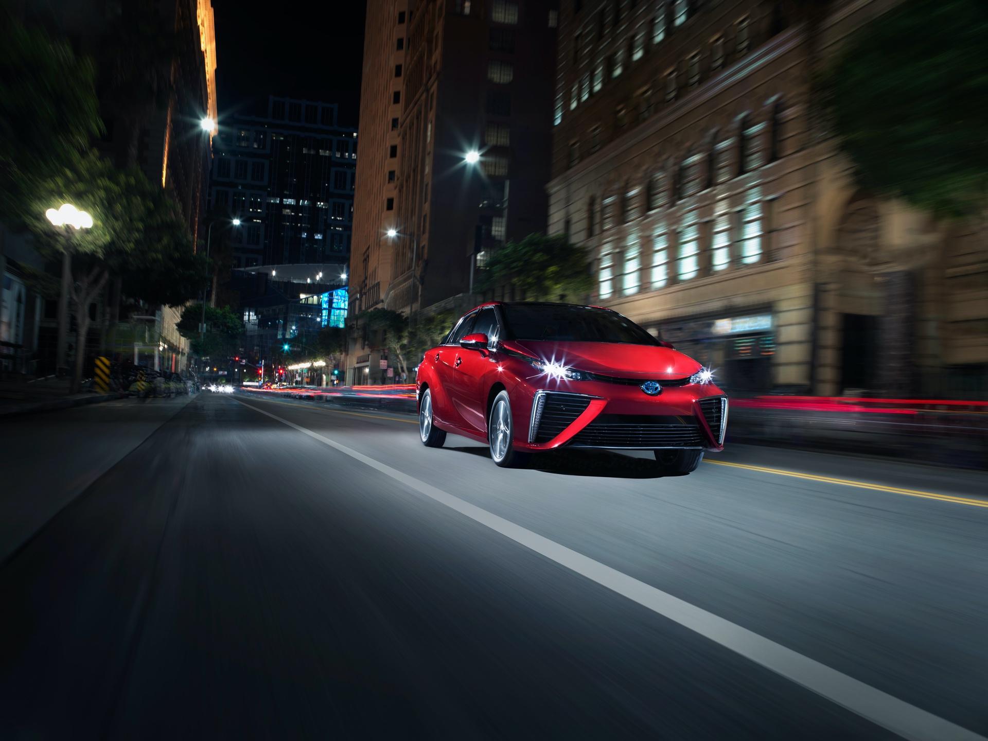 Toyota_Mirai_California_0002