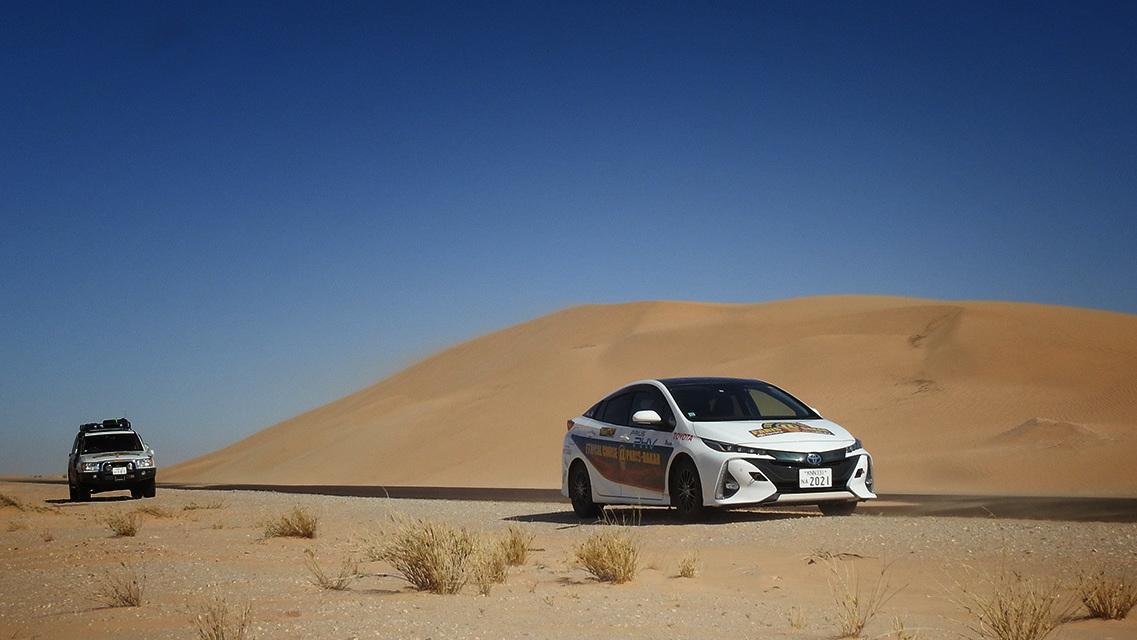 Toyota Prius Paris to Dakar (1)