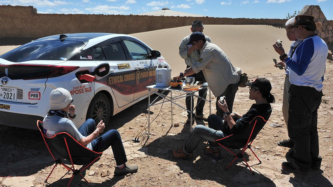 Toyota Prius Paris to Dakar (4)