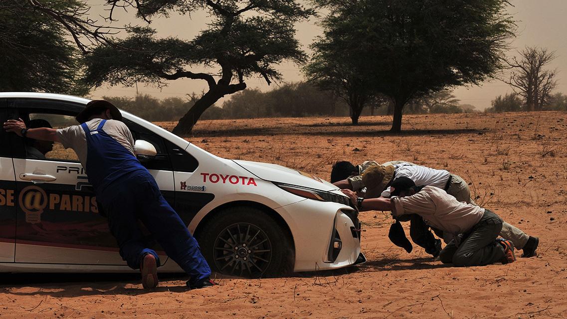 Toyota Prius Paris to Dakar (6)