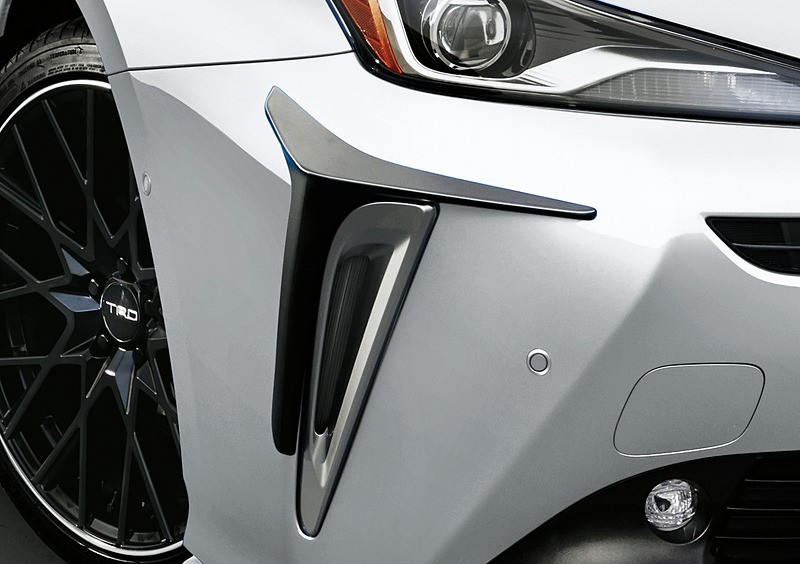 Toyota Prius TRD andModellista (15)