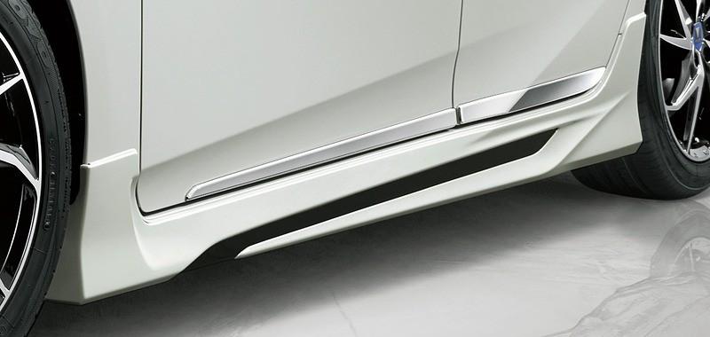 Toyota Prius TRD andModellista (8)