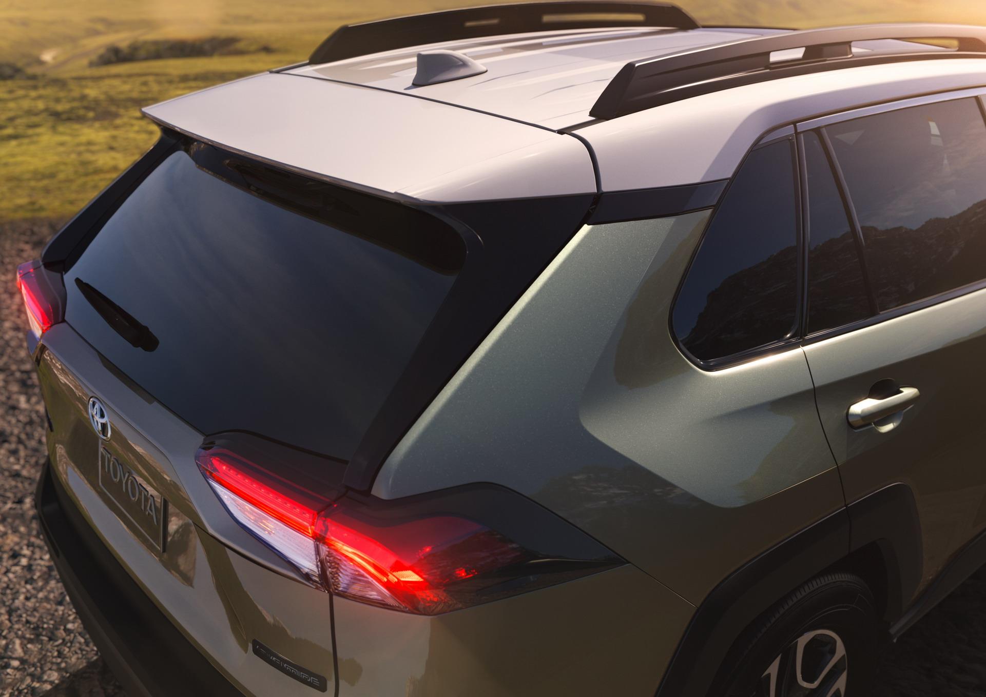 Toyota RAV4 2018 (14)