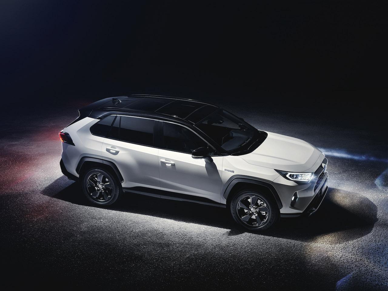 Toyota RAV4 2018 (2)