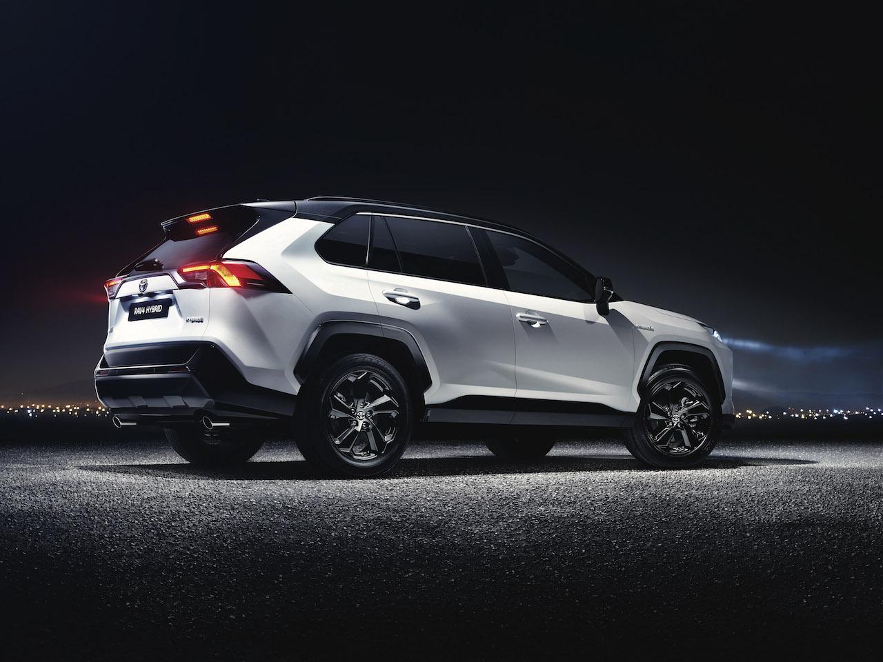 Toyota RAV4 2018 (8)
