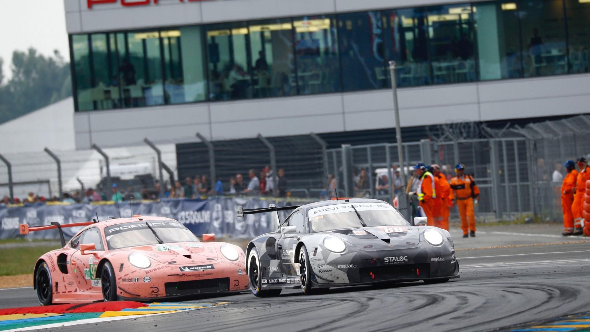 Porsche 911 RSR, Dempsey Proton Racing (88), Matteo Cairoli (I), Khaled Al Qubaisi (UAE), Giorgio Roda (I), Porsche GT Team (92), Michael Christensen (DK), Kevin Estre (F) Laurens Vanthoor (B), Le Mans 2018